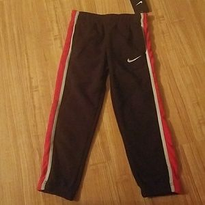 NIKE Boy's Black Red Terry Therma Fit Pant, Size 6